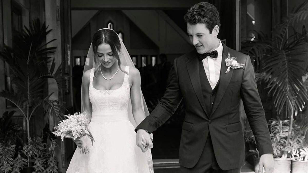 Весілля Майлза Теллера та Келлі Сперрі на Гаваях
