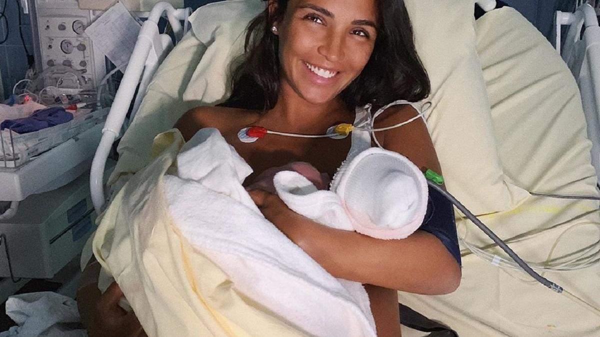 Санта Дімопулос народила другу дитину: перше фото зіркової мами з дочкою