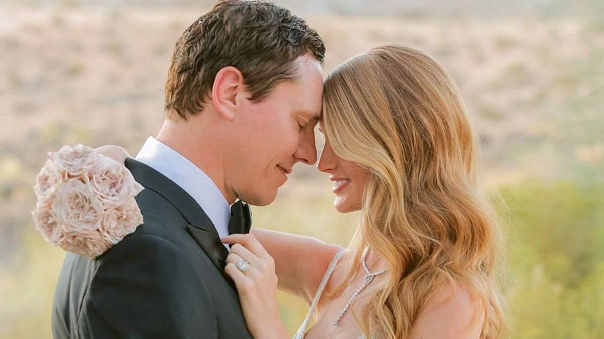 Тієсто та Анніка Бейкс одружились: весільні фото