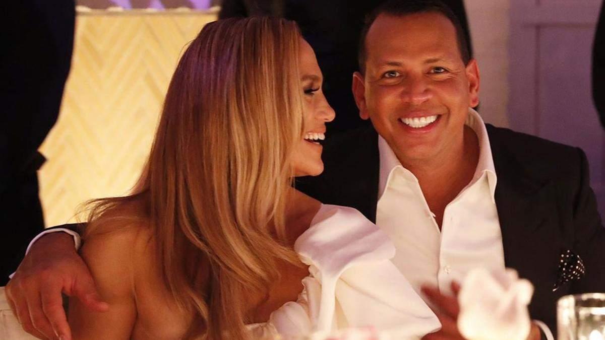 Дженнифер Лопес и Алекс Родригес на вечеринке по случаю помолвки