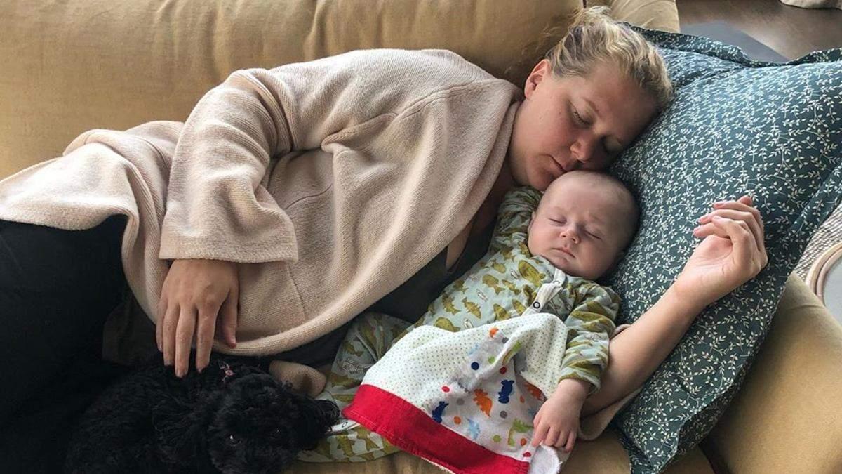Эми Шумер с сыном