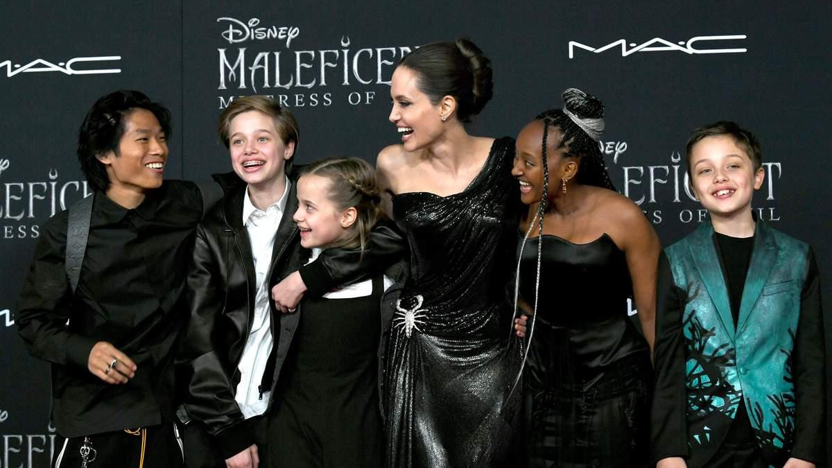 """Анджеліна Джолі на прем'єрі фільму """"Малефісента 2"""""""