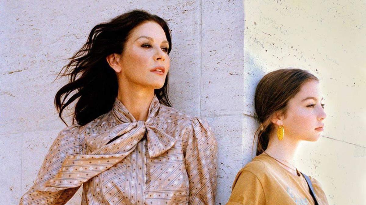 Кэтрин Зета-Джонс с дочкой