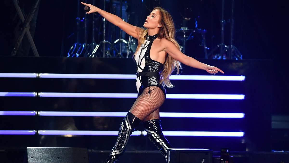 Оце фігура: Дженніфер Лопес запалила на сцені в Маямі у гарячому образі – фото