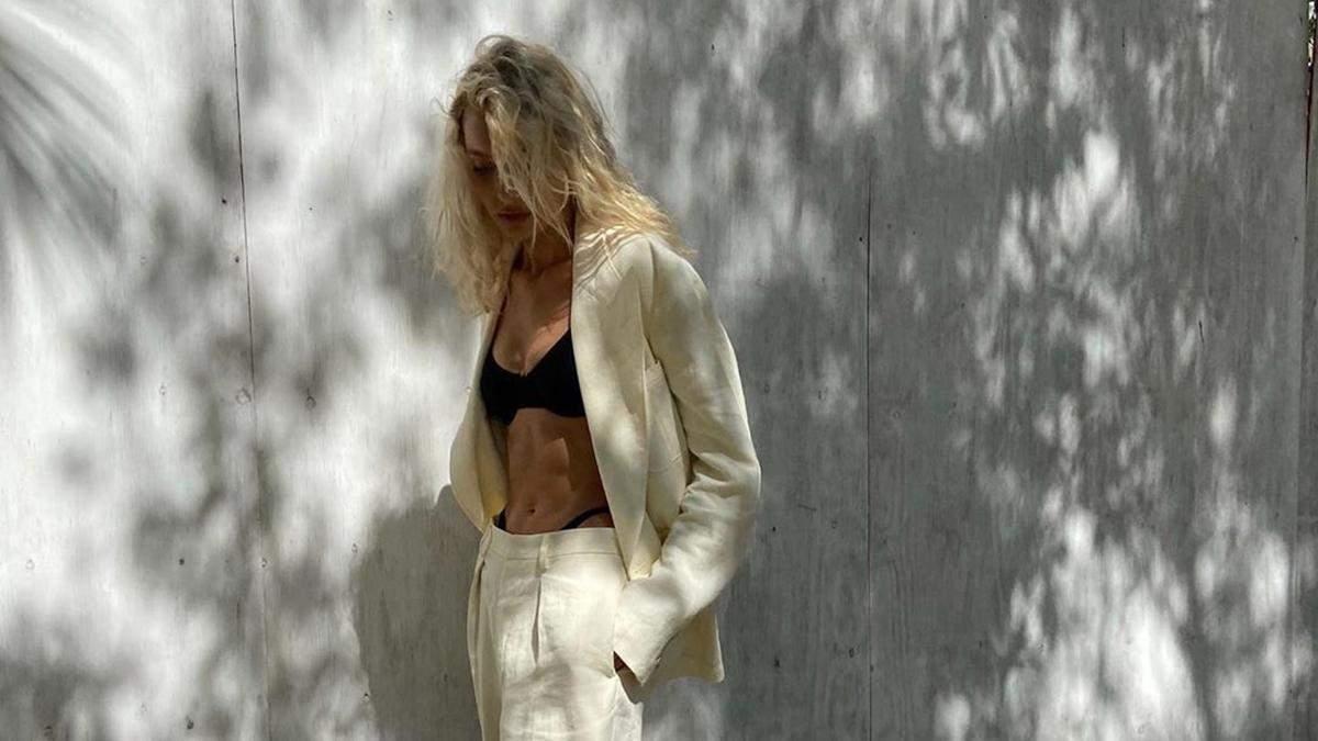 Эльза Хоск в купальнике и костюме: сексуальные фото