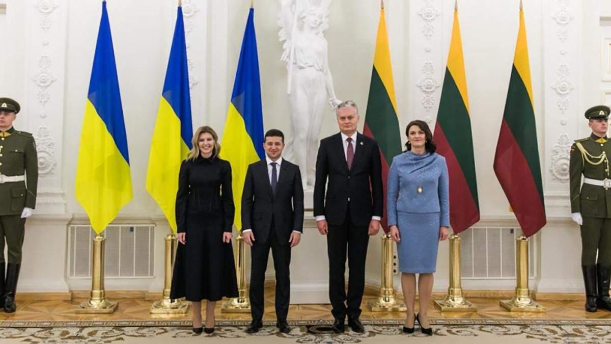 Олена Зеленська обрала корсетну сукню для візиту в Литву: перші фото