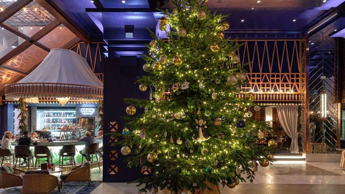 14 миллионов долларов за елку: как выглядит самое дорогое новогоднее дерево