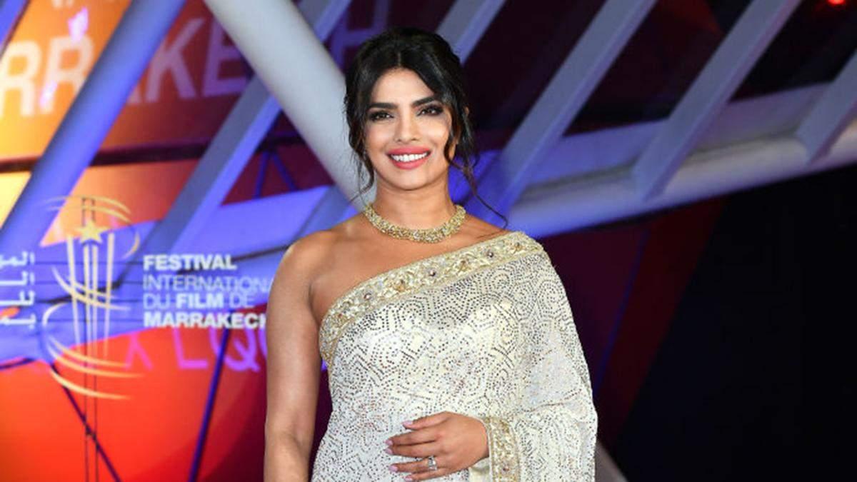Индийская роскошь: актриса Приянка Чопра надела национальный строй на кинофестиваль
