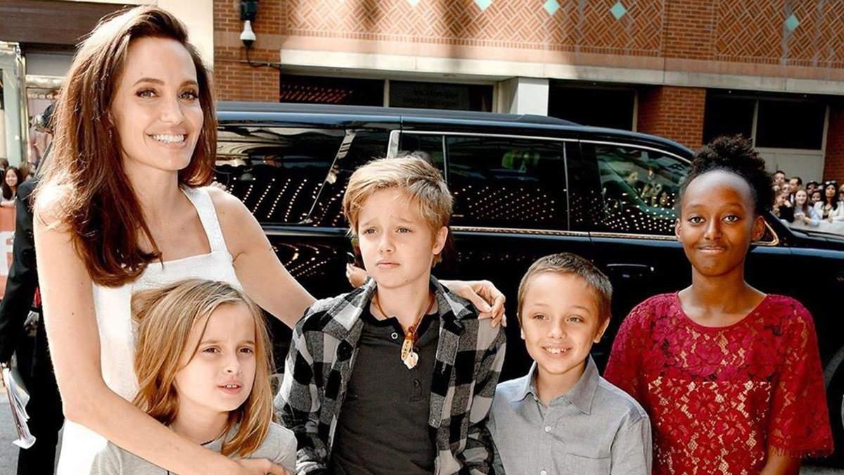 Анджелина Джоли привезла приемную дочь в Эфиопию: фото