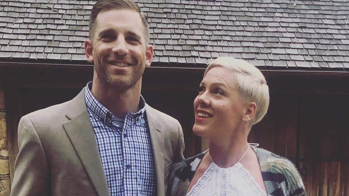 Пінк та Кері Гарт привітали одне одного з річницею подружнього життя