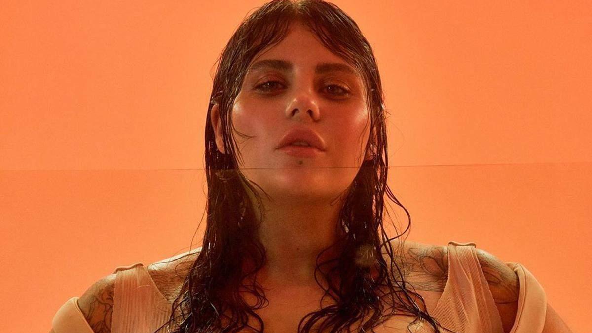 """KAZKA пояснила головну ідею скандального кліпу на пісню """"Палала"""""""