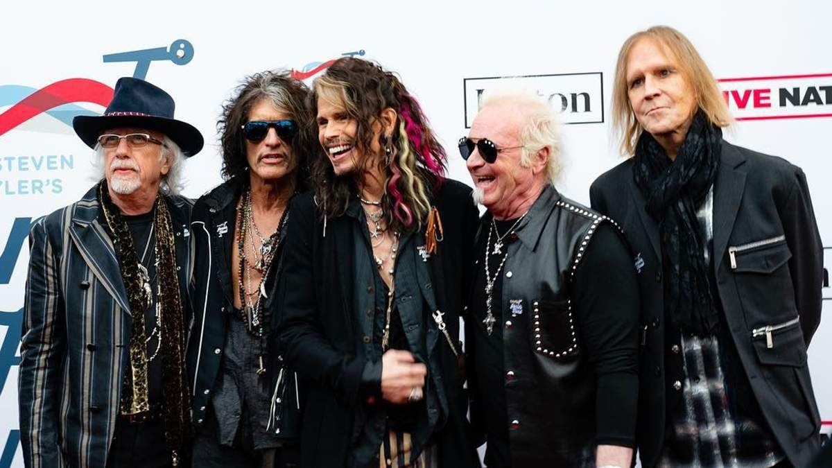 Группа Aerosmith оказалась в центре скандала: участник коллектива подал на коллег в суд
