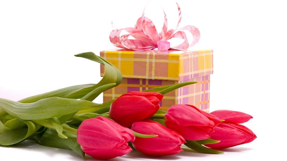 Подарки для женщин на 8 марта 2020 – что подарить коллегам по работе