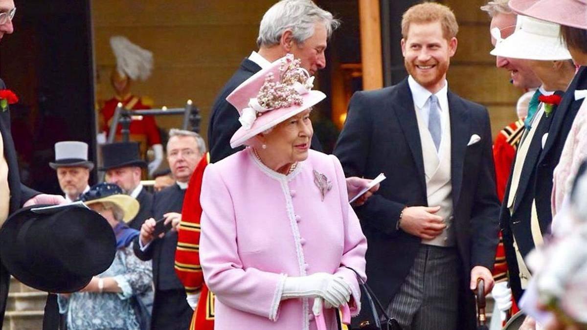 Єлизавета ІІ приїхала до Віндзора для бесіди з принцом Гаррі