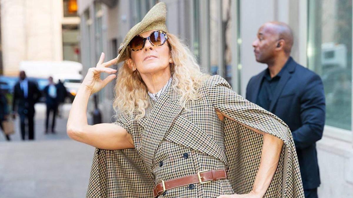 Селін Діон приголомшила виходом у Нью-Йорку: ефектні фото зірки в стильному кейпі