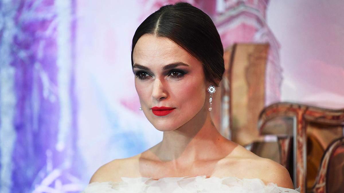 Кира Найтли совершила светский выход в платье от Chanel