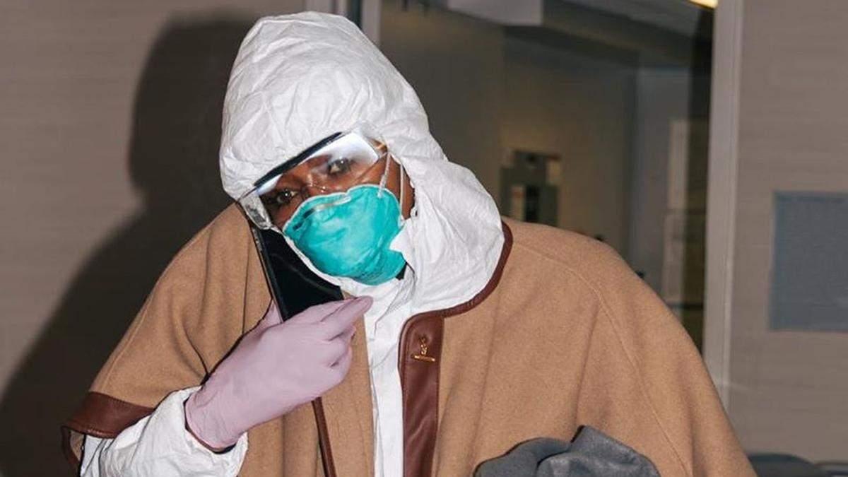 Наомі Кемпбелл показала, як подорожує у розпал коронавірусу