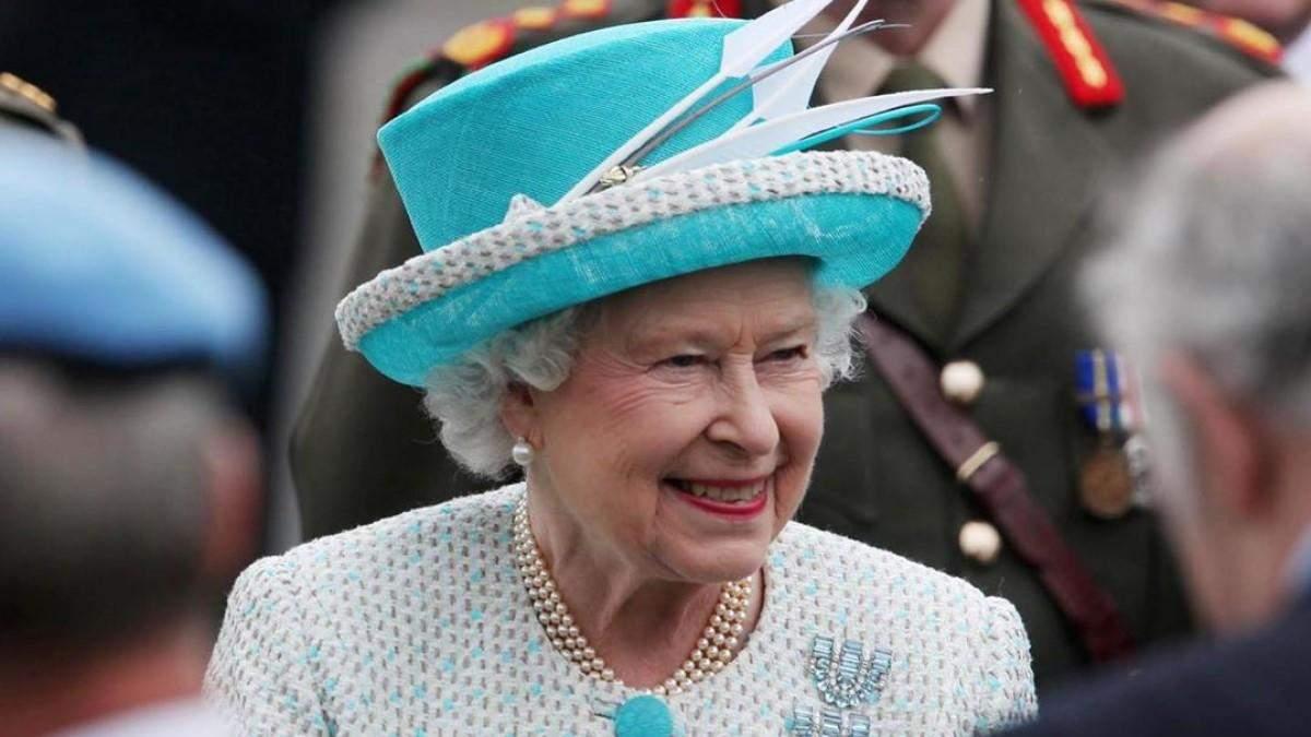 Лакей королеви Єлизавети ІІ заховрів на коронавірус