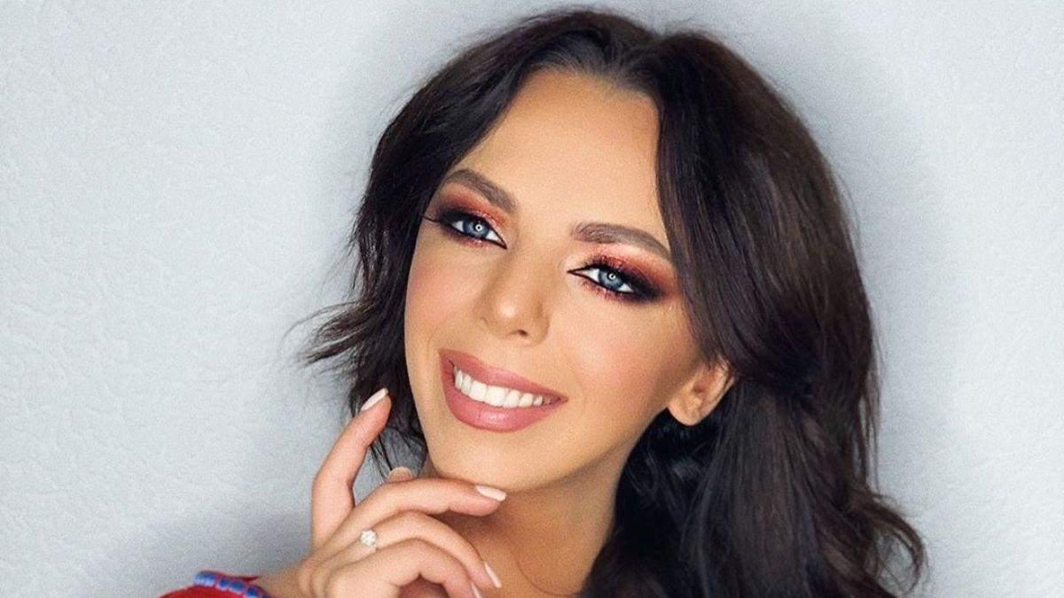 Співачка Sonya Kay