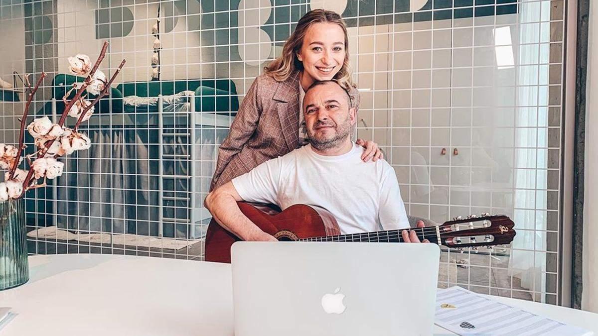 Невеста Виктора Павлика объявила о возможном переносе свадьбы