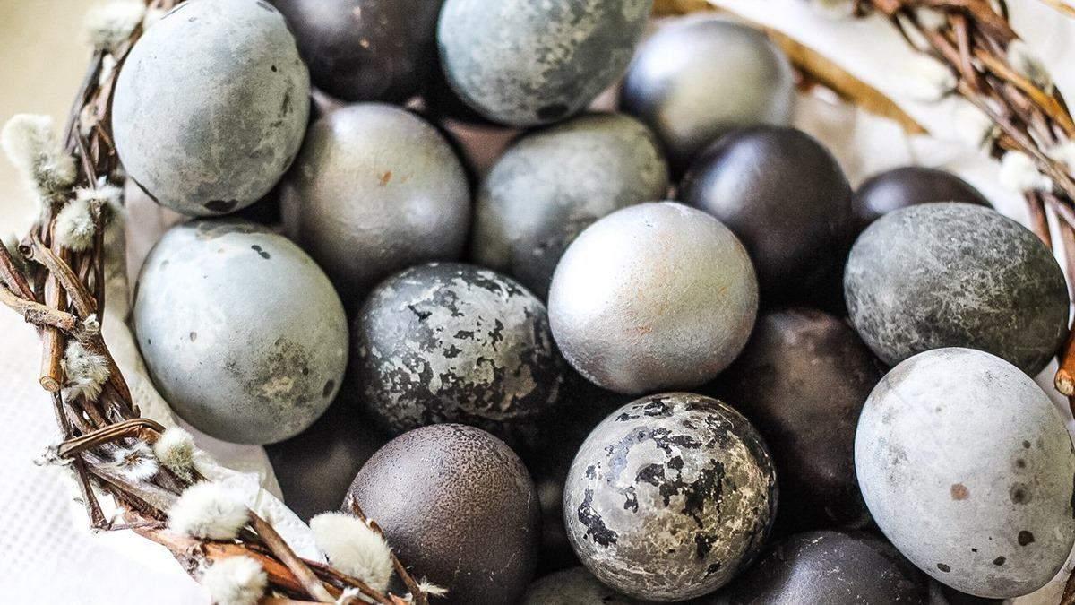 Як пофарбувати яйця чаєм каркаде: покрокова інструкція