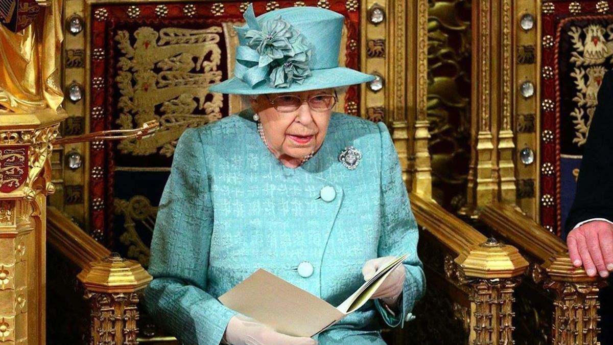 Королева Єлизавета II з'явиться на публіці не раніше жовтня