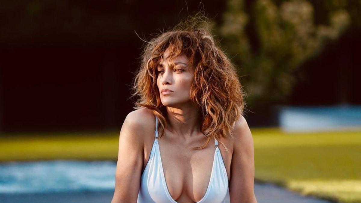 Дженнифер Лопес в купальнике