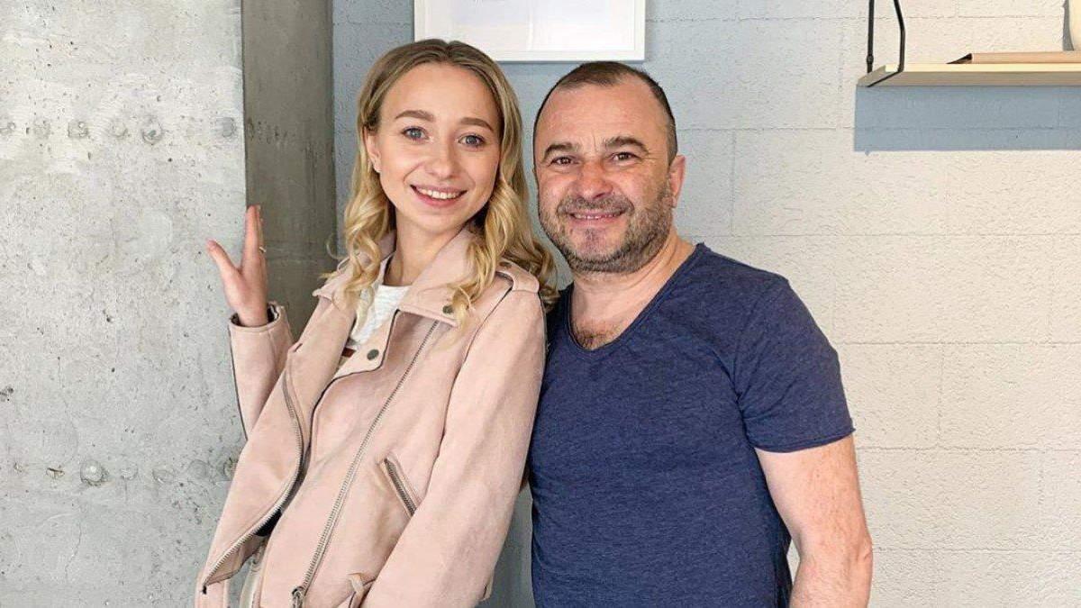 Дружина Віктора Павліка розповіла, як співак допомагає онкохворому сину: Миє і носить на собі