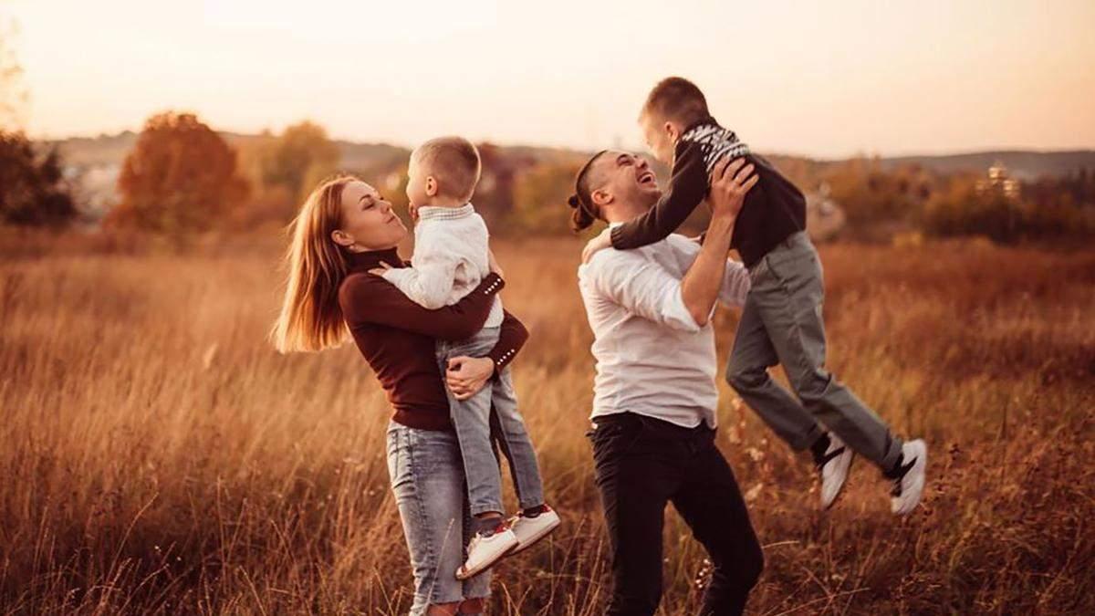 Alyosha народила дочку – це вже третя дитина співачки та Тараса Тополі