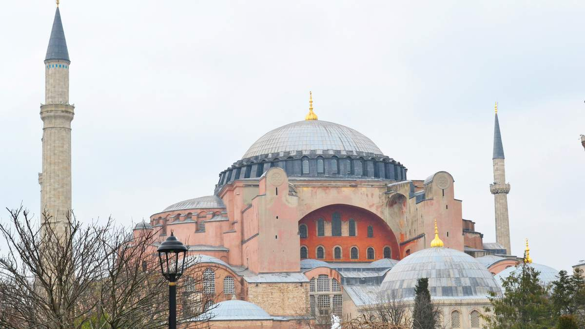 Ая-Софія у фото: факти і таємниці легендарного собору