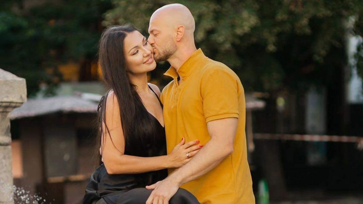 Нежные поцелуи: Влад Яма очаровал сеть романтической фотосессией с любимой