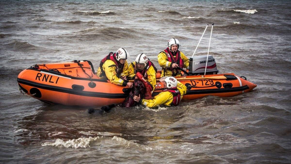 Фильм спас 10-летнего мальчика в открытом море