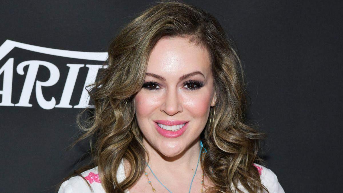 Алисса Милано переболела коронавирусом