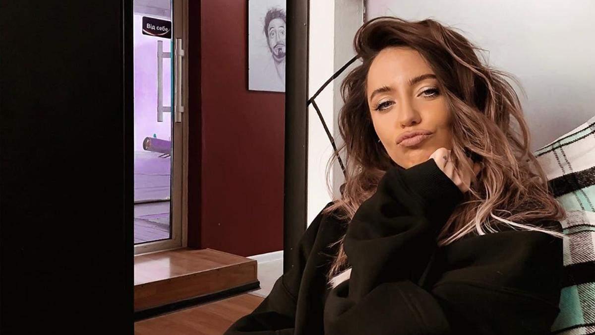 Надя Дорофєєва позувала повністю оголена