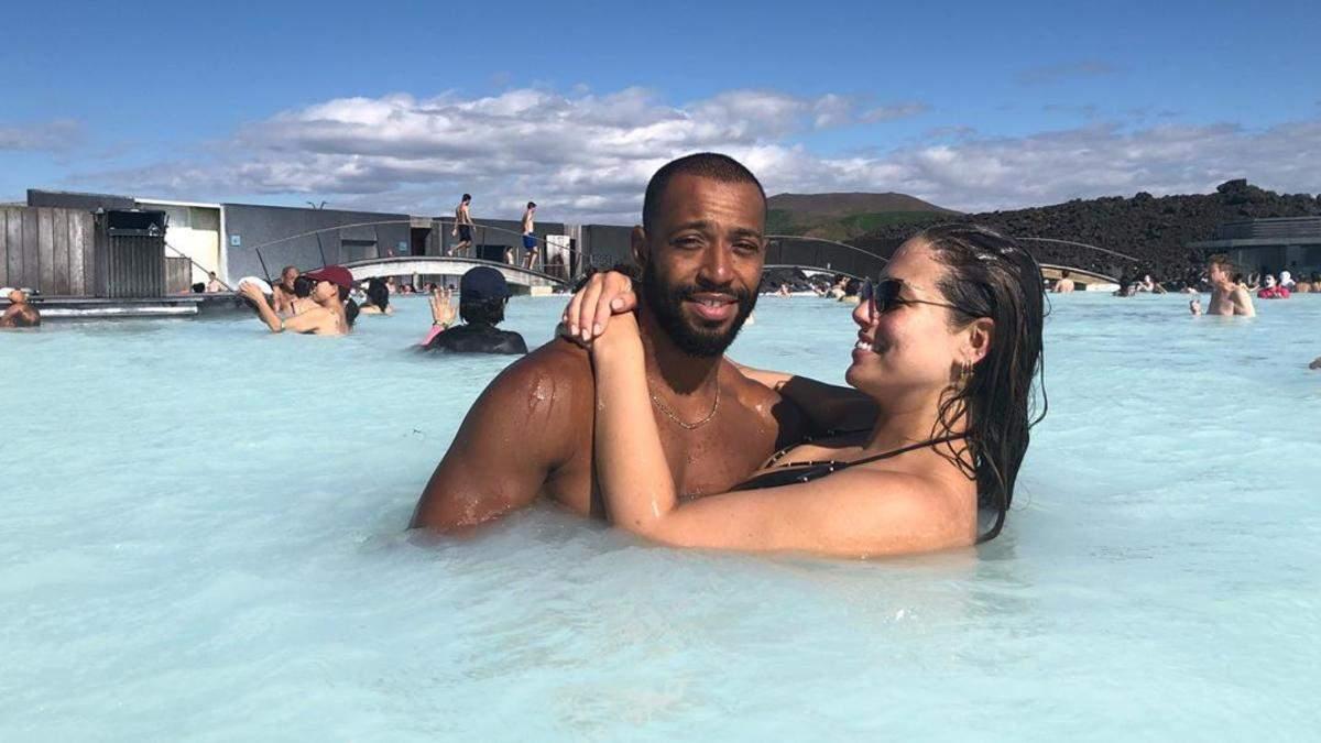 Ешлі Грем привітала чоловіка з 10 річницею шлюбу кумедними фото, яких раніше не було в мережі