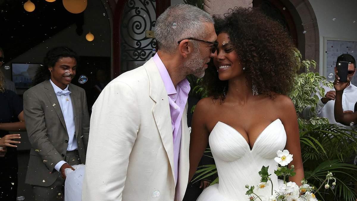 Венсан Кассель та Тіна Кунакі святкують другу річницю весілля