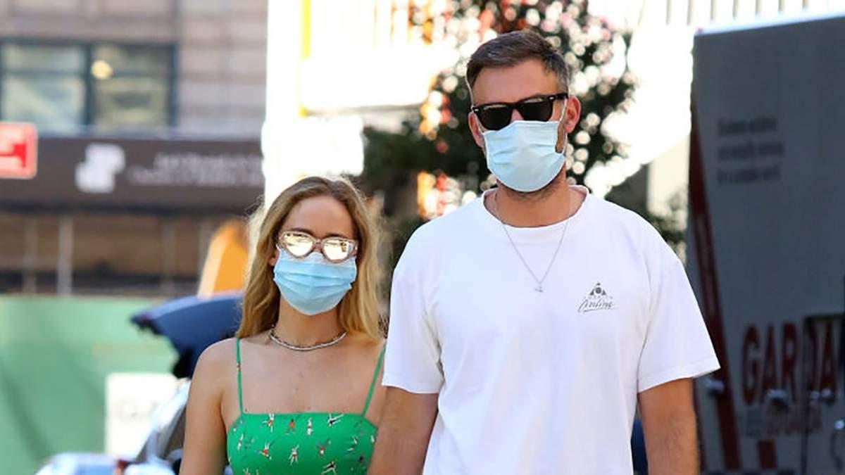 Дженніфер Лоуренс прогулялася зі своїм чоловіком