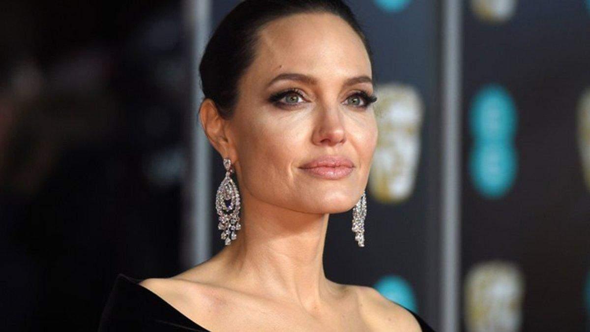 Анджелина Джоли в ярости