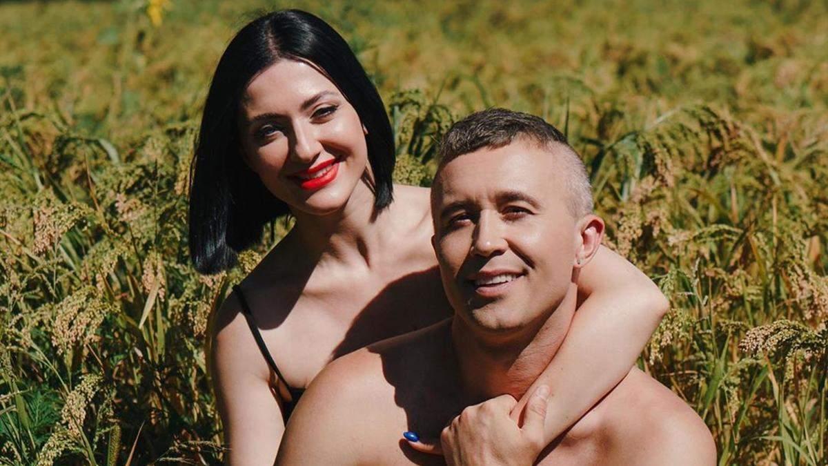 Жена Сергея Бабкина потрясла ягодицами на глазах у дочери: пикантный танец
