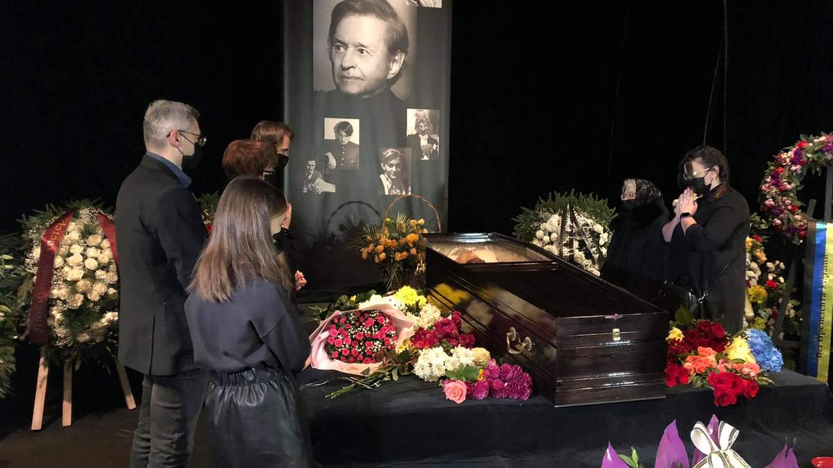 Похорон Романа Віктюка у Львові: фото з похоронів 23 листопада 2020