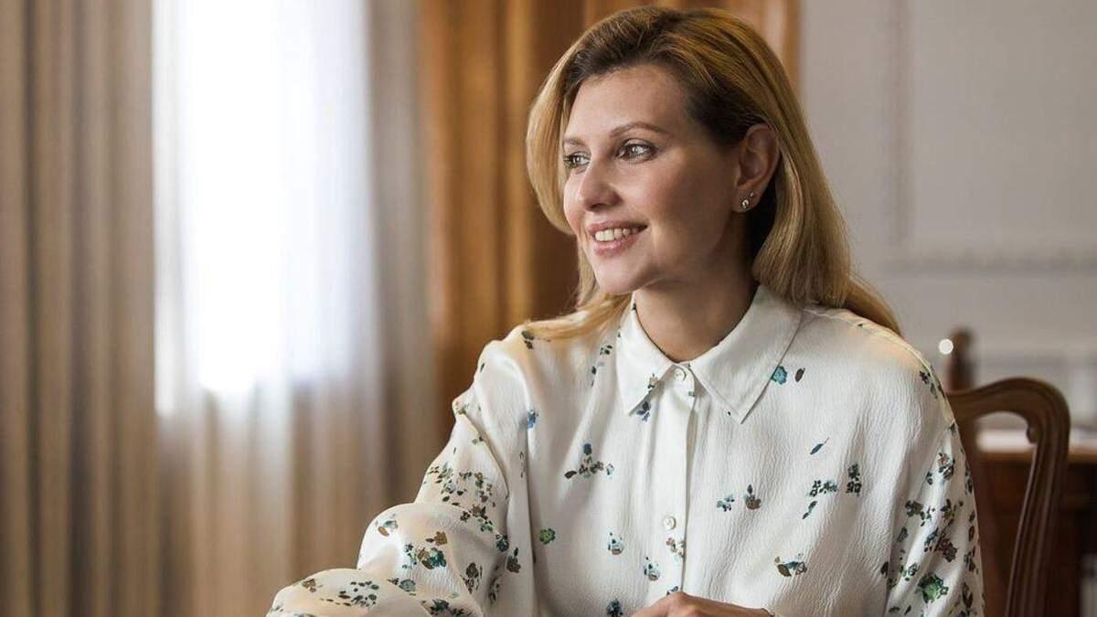 У синьому костюмі: Олена Зеленська підкорила діловим образом – фото