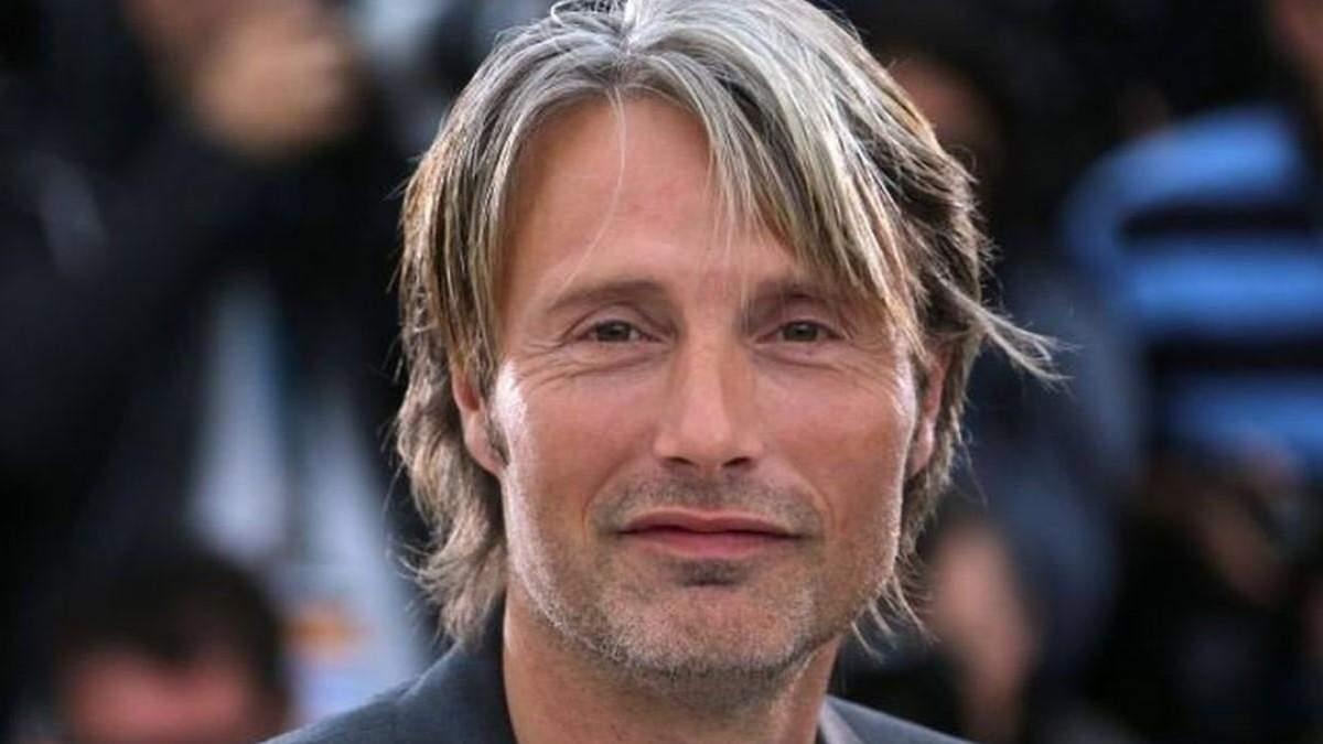 """Офіційно: Мадс Міккельсен таки замінить Джонні Деппа у """"Фантастичних звірах 3"""""""