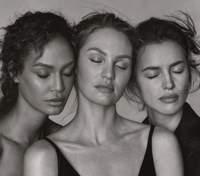 Чарівне тріо: Ірина Шейк, Кендіс Сванепул і Джоан Смоллс прикрасили обкладинку Vogue