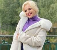 У стильному пальті: Лілія Ребрик показала образ для зйомок у кіно – кумедні фото