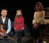 В останній день осені: Божики і 5-річна актриса Кіра знялись у фільмі-відео про Львів