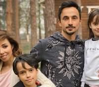 Катерина Кухар підкорила сімейним фото з чоловіком і дітьми: розкішний кадр з Мальдівів