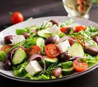 Что приготовить на 8 Марта: рецепты салатов