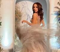 Катерина Кухар зачарувала образом у пишній сукні: фото