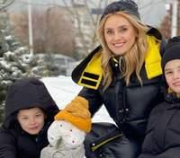 Ирина Федишин показала весенние развлечения с сыновьями: милые кадры