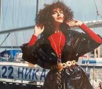 У стилі 90-х: Ольга Сумська підірвала мережу архівним фото
